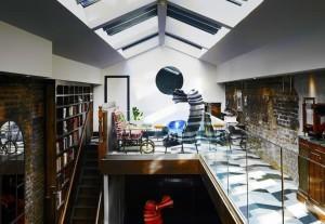 Londra_club_ospitalita_Library_01_oggetto_editoriale_h495
