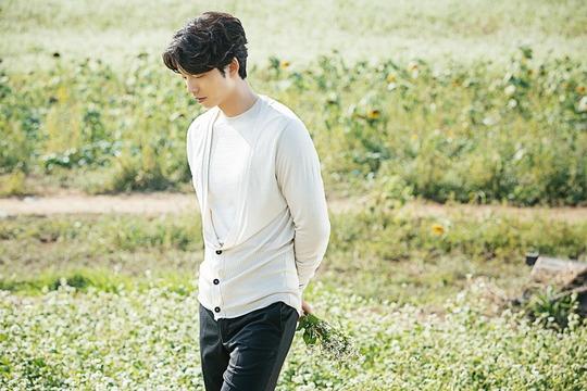 Bisa menebak apa yang sedang dipikirkan oleh Gong Yoo?