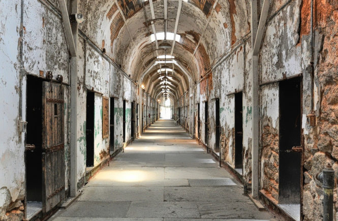 philadelphia_easternstatepenitentiarycellward_forsakenfotos_cc-by