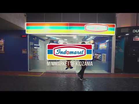 Di KidZania, anak-anak tak hanya bisa berbelanja barang tetapi juga merasakan keseruan bekerja di minimarket dalam berbagai posisi pekerjaan.