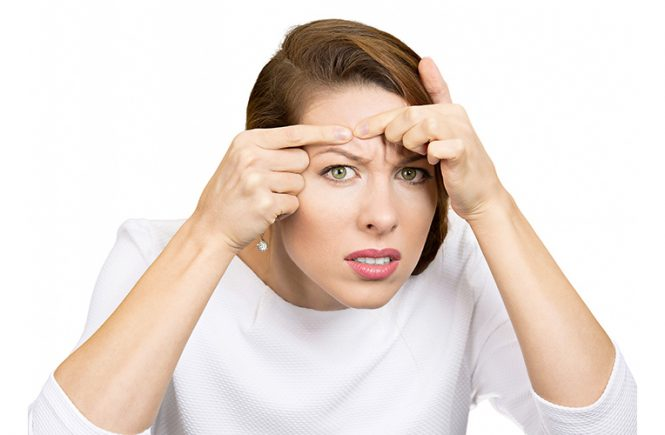 Mengapa jerawat bisa muncul? Mungkin pertanyaan ini selalu kamu tanyakan. Coba cek penyebab kemunculan jerawat di wajah, yuk!
