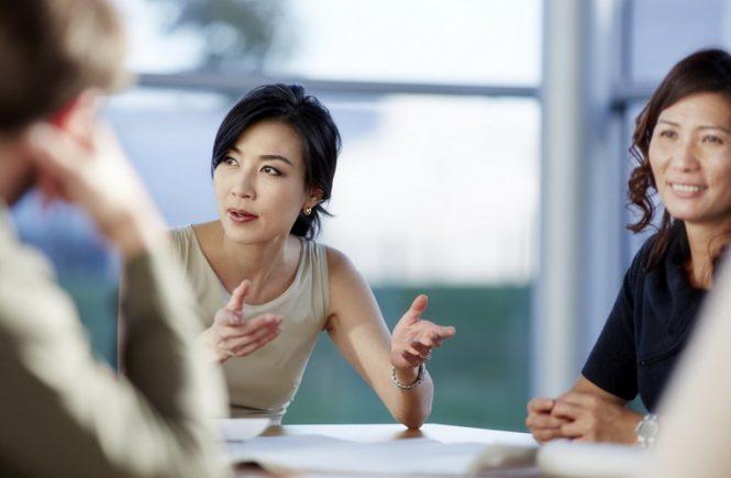 Mengadakan meeting di luar kantor bisa menghadirkan ide-ide baru karena adanya perubahan suasana kerja. Wajib coba, yuk!